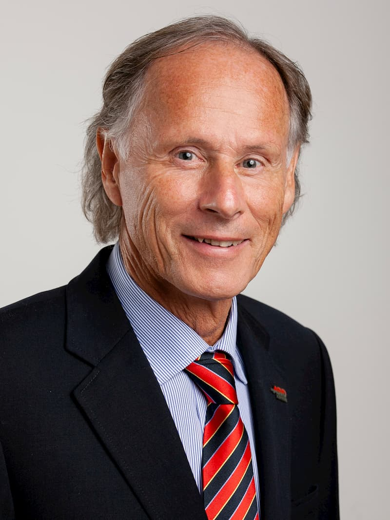 Dr. Christoph SCHASCHÉ